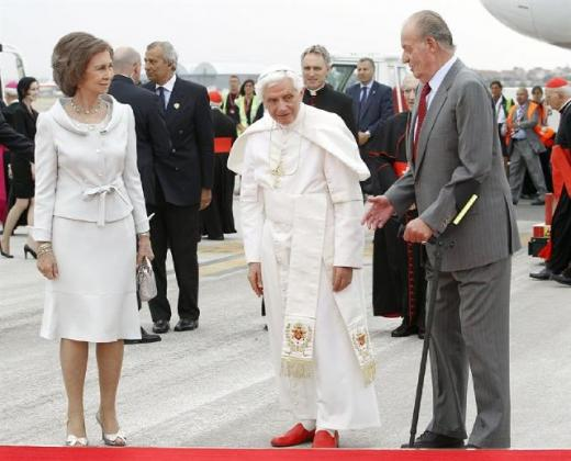 The Queen and King of Spain welcome Pope Benedict XVI to Madrid and World Youth Day 2011