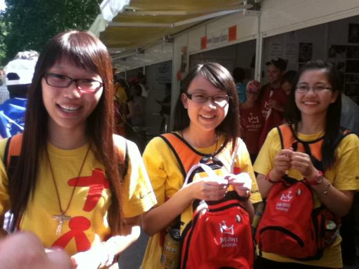 Young Catholics from Korea talk to the nuns about their WYD experience