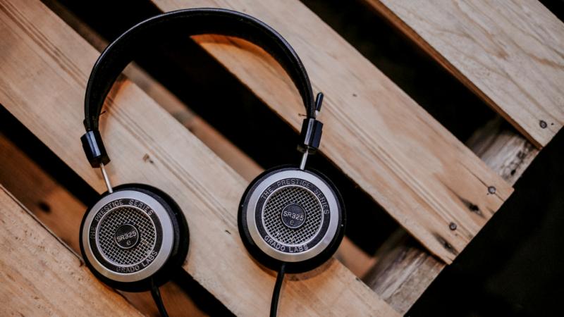 anunslife-podcast-headphones-grado